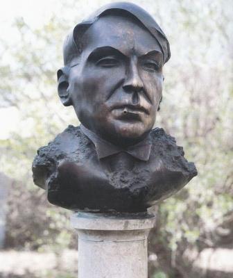 1991, Móra Ferenc mellszobor